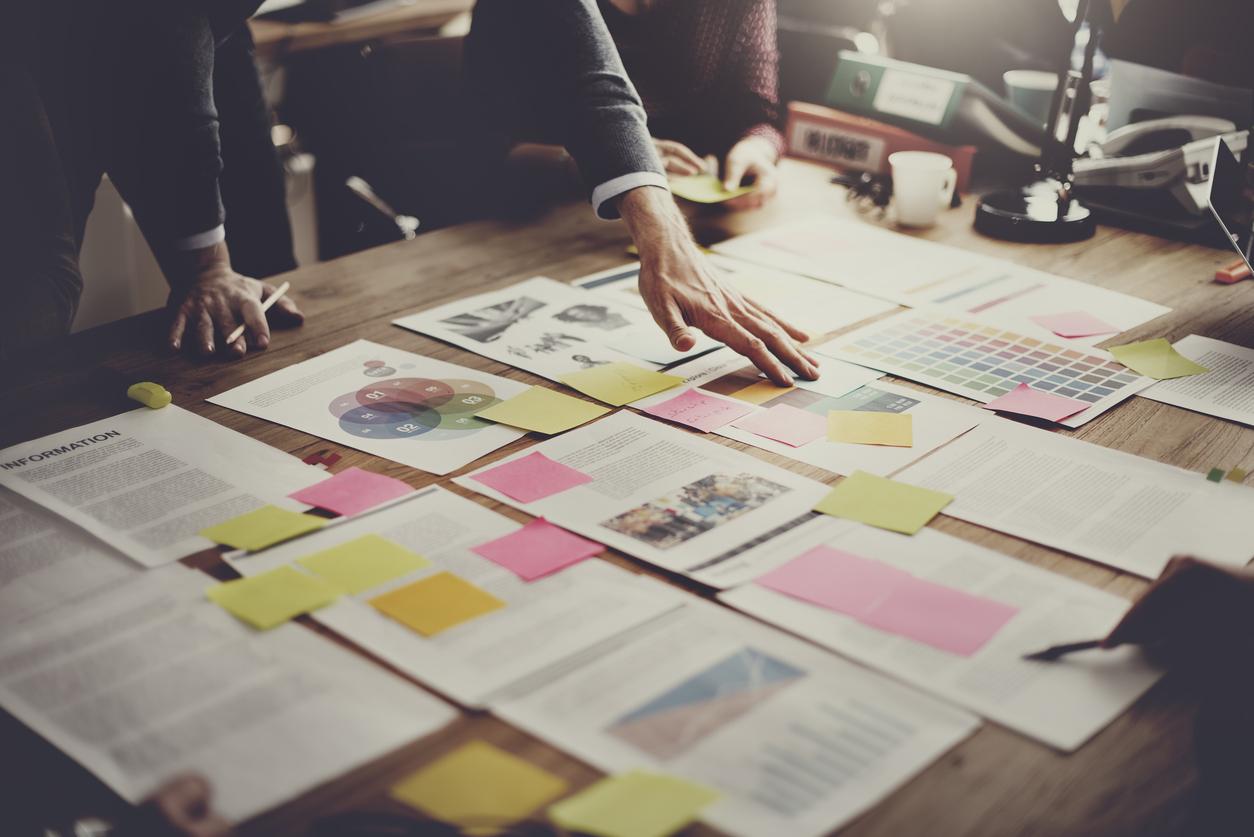 Proyecto empresarial en administración y finanzas: ejemplos de base
